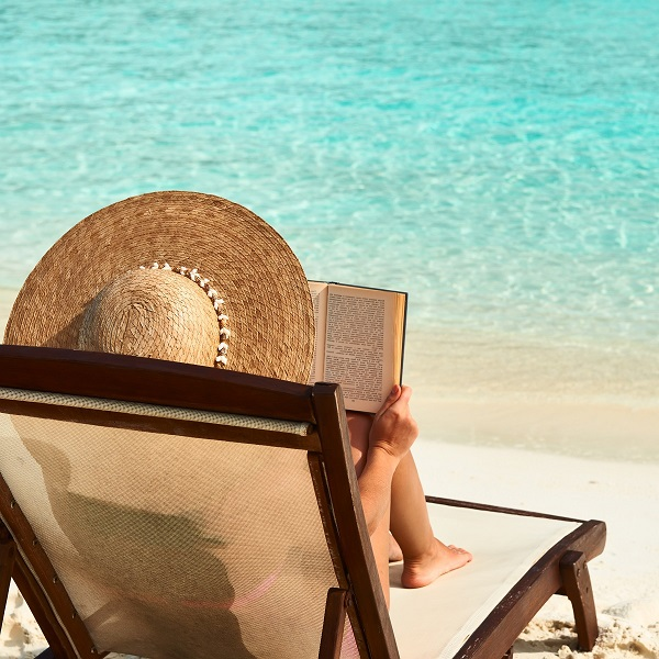 lezen-zomer-zwembad