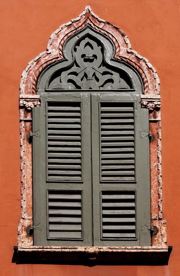 luiken-vensters-Verona (1)