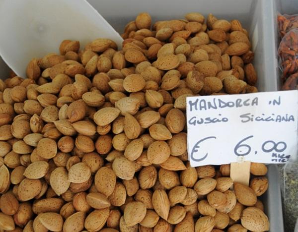 markt-Catania-Sicilie-6