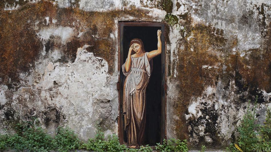 meditazione zilda street art Naples-2-detail
