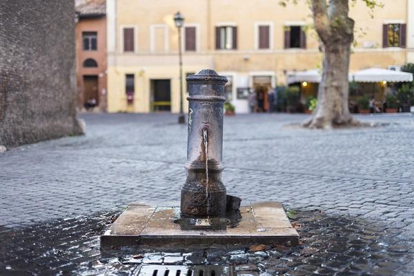 nasoni-fontein-water-drinken-Rome (11)