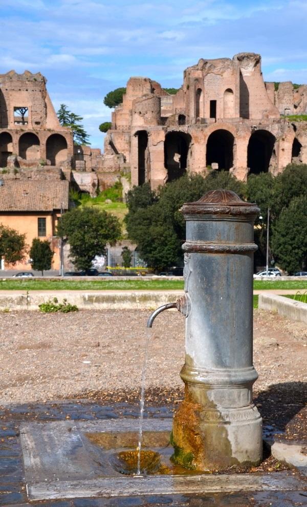 nasoni-fontein-water-drinken-Rome (17)