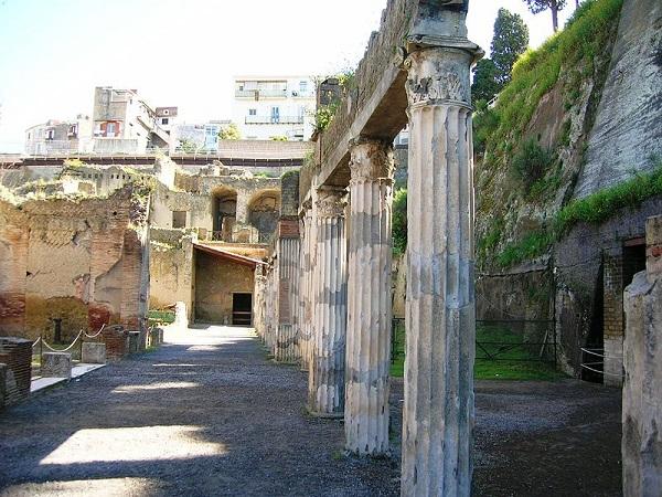 palestra-Herculaneum-2