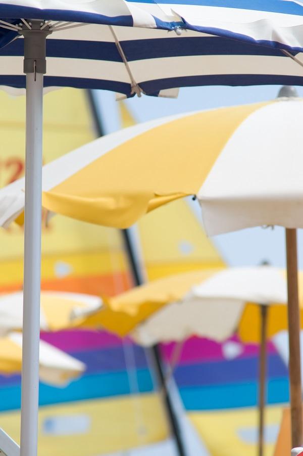 parasols-strand-Italië