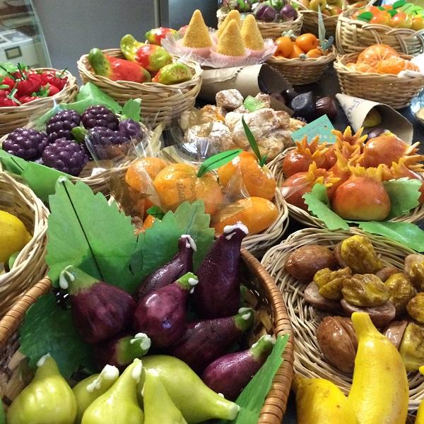 pasticceria-D'Ambra-Lipari-frutta-martorana (6)