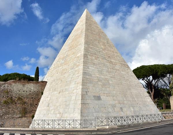 piramide-Cestius-Rome-Testaccio