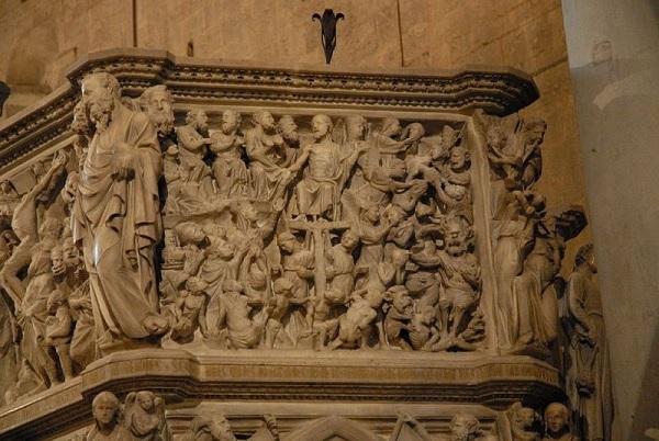 preekstoel-Sant-Andrea-Pistoia