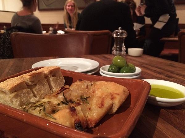 restaurant-Bocca-di-Lupo-Londen (2)