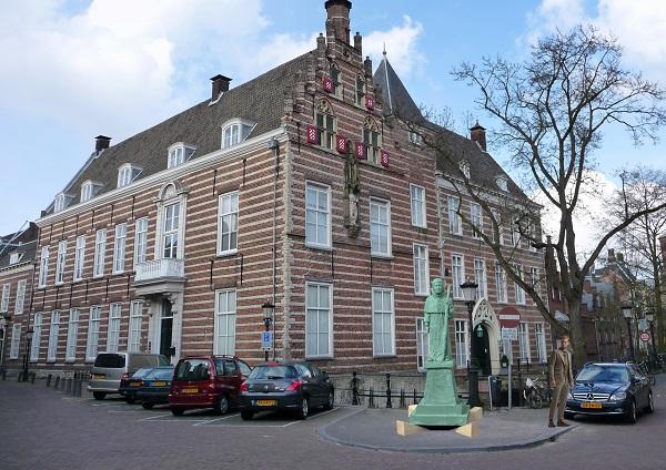 schets-beeld-paus-Adrianus-VI-Paushuize-Utrecht