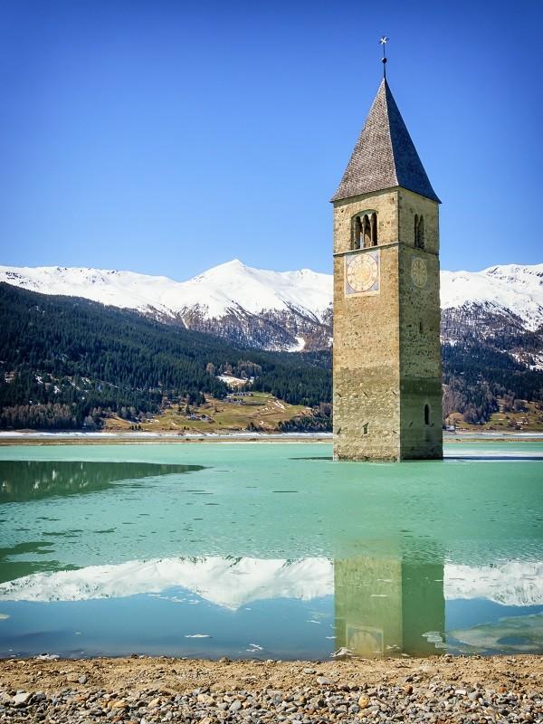 spookstad-Italie-Curon-Venosta-Lago-di-Resia