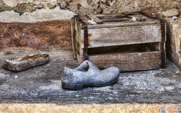 spookstad-Italie-Poggioreale-schoen