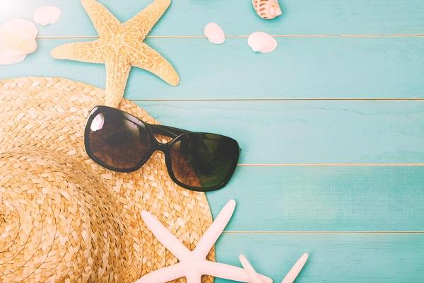 strohoed-zonnebril-zomer
