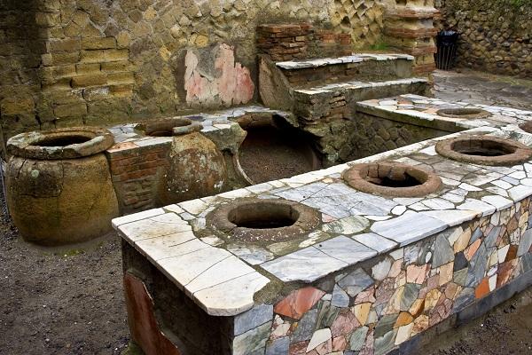 thermopolium-Herculaneum