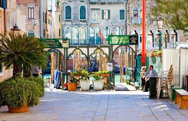 traghetto-gondel-Venetie (4)