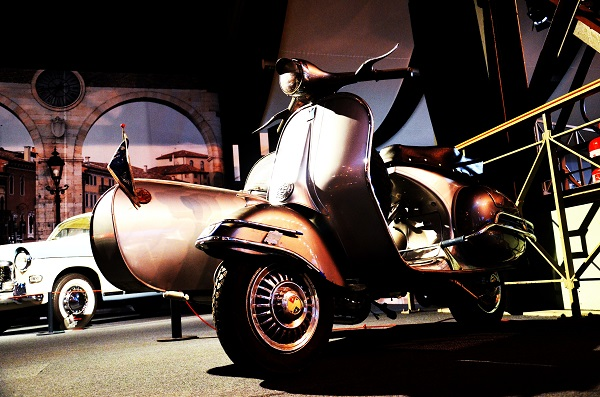 vespa-70-years-Autoworld-Brussel (5)