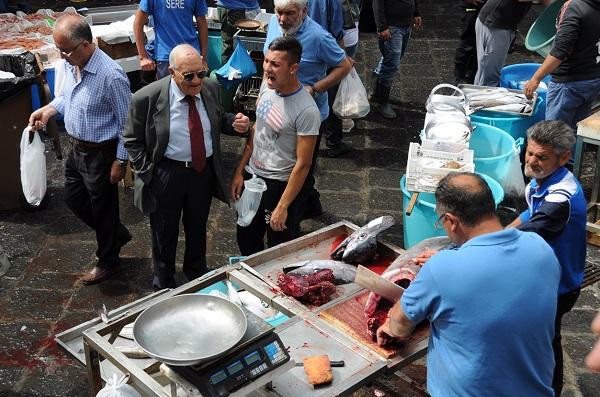 vis-markt-Catania-Sicilie-11