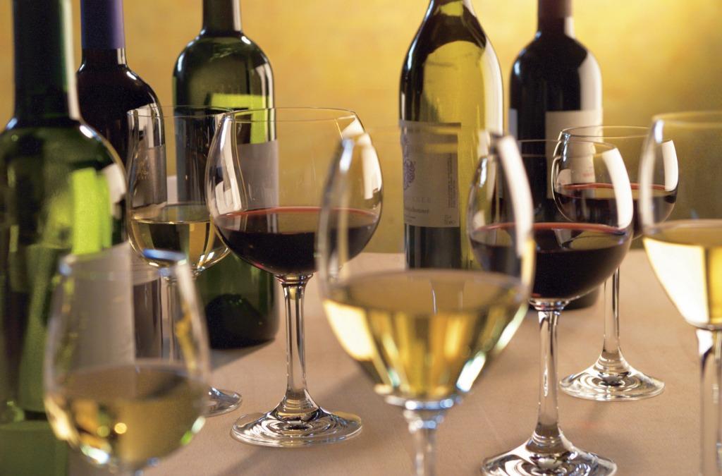 Das Weinland Südtirol bietet zahlreiche gute Tropfen und Verkostungen alter autochthoner, aber auch neuer hochqualitativer Weinsorten.